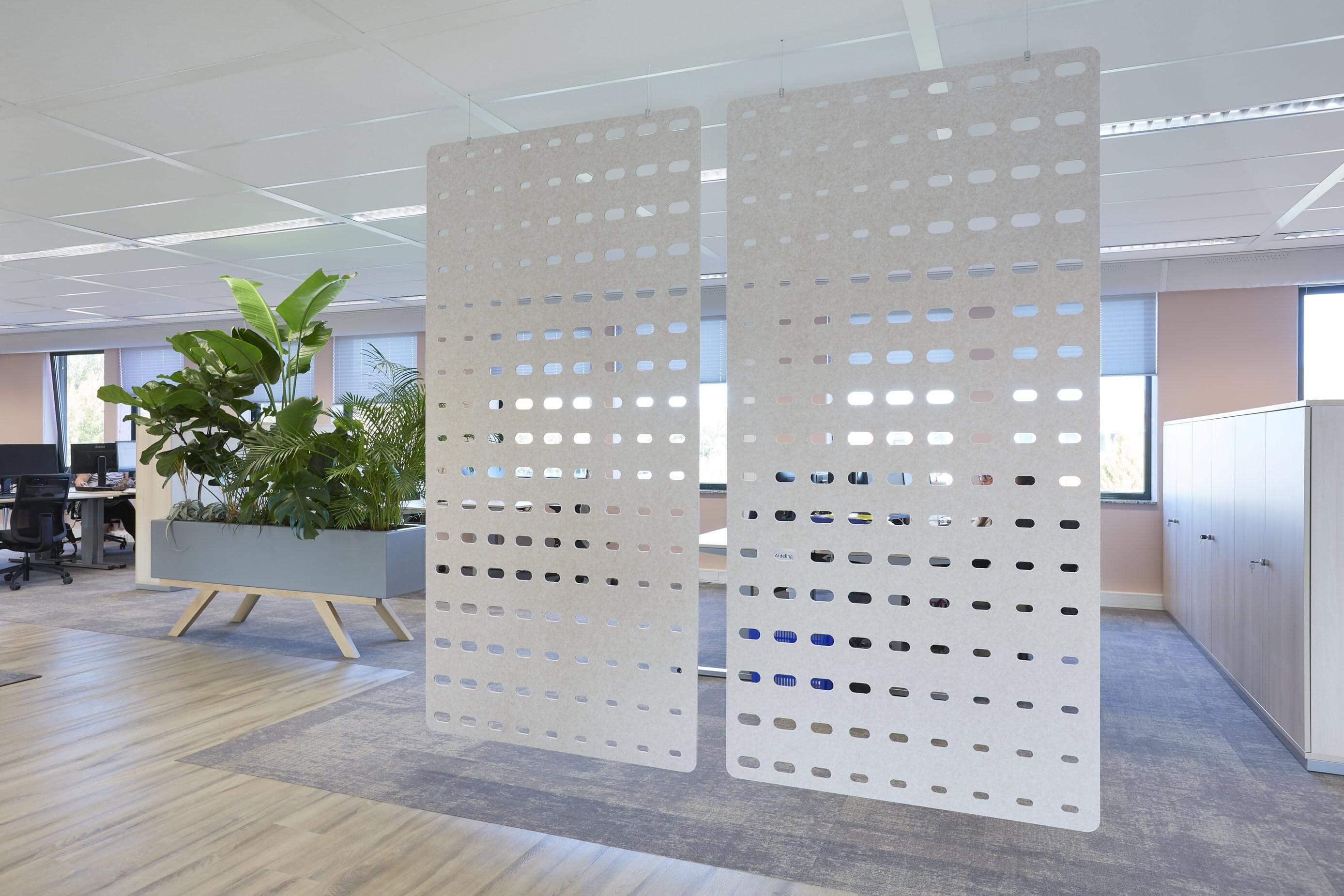 Enver, Mixus studio, petflet patronen